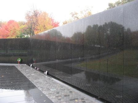 USA_Memorials/vietnam_war_memorial_wash_05