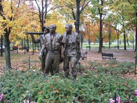 USA_Memorials/vietnam_war_memorial_wash_09